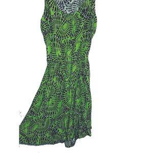 Short green dress